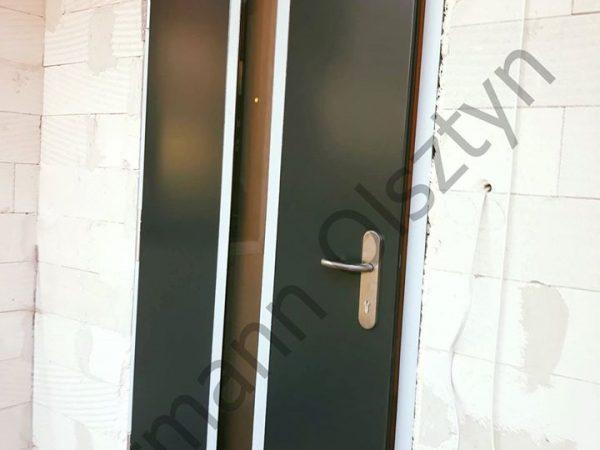 Drzwi Hormann Thermo 65 wzór 700 z szybą mleczną