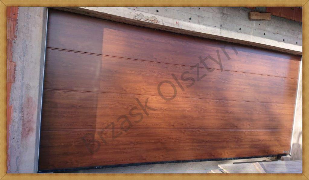montaż Bramy segmentowej, kolor Golden Oak, przetłoczenie L