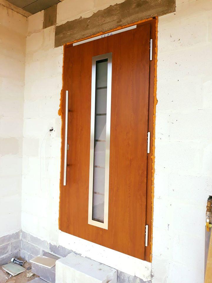 Montaż drzwi serii 700
