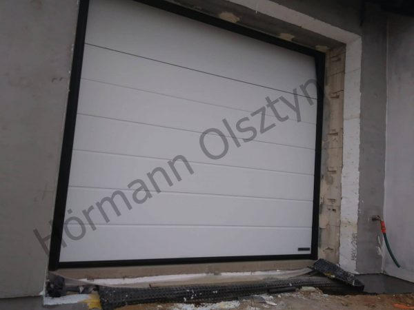 Brama segmentowa Hormann o przetłoczeniu M – Kolor biały
