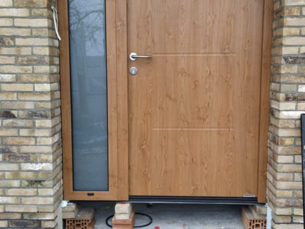 Drzwi ThermoPlus 65 z szybą boczną