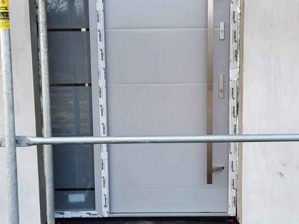 Drzwi Wikęd z naświetlem model.26C kolor RAL9006 brzask ilawa hormann ilawa