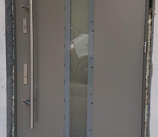 Drzwi kolor. szary